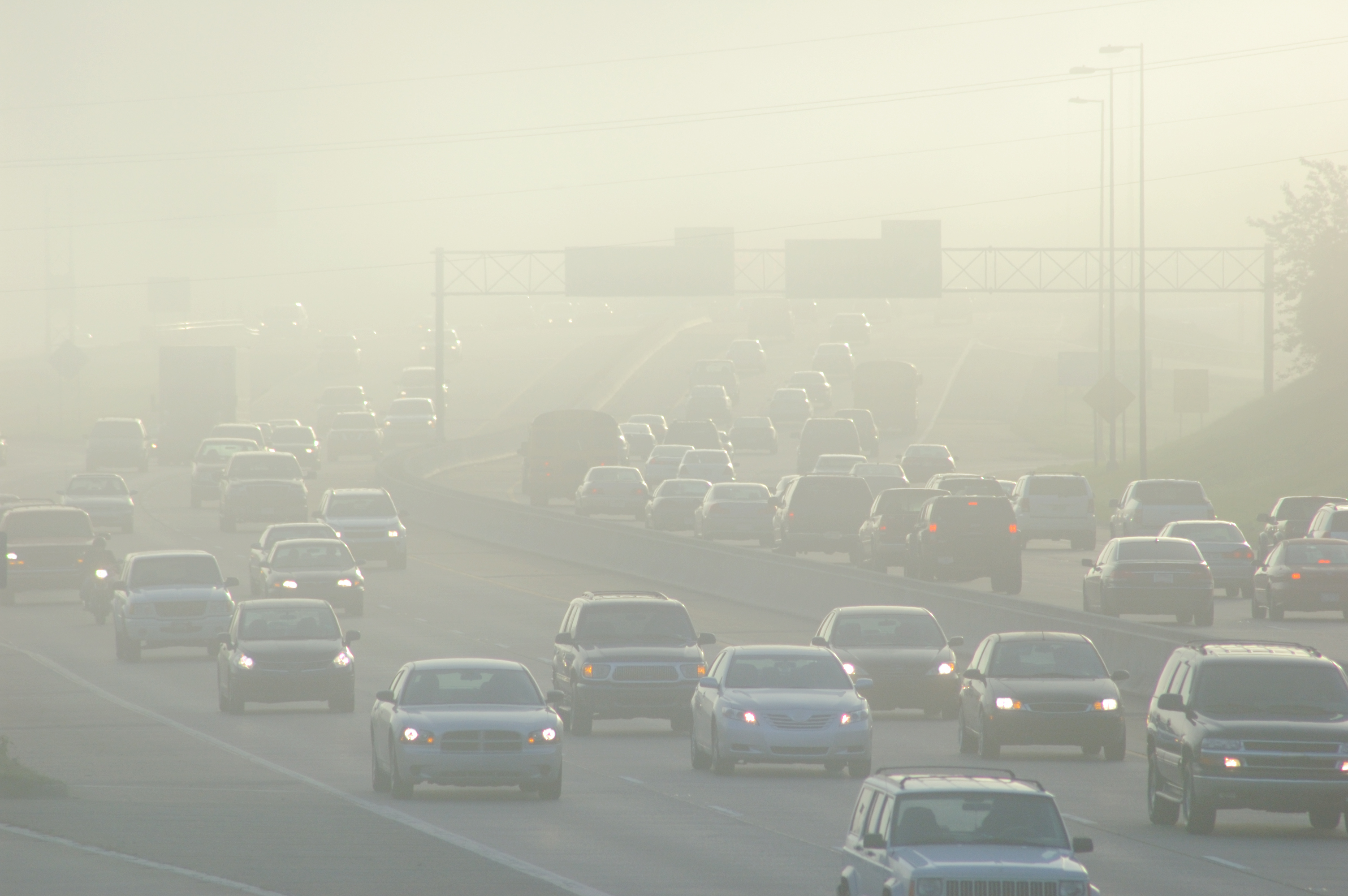 Image of air polluted highway.